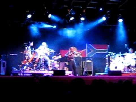 Xavier Rudd - Footprint - Kee to Bala, Muskoka, Ontario, Canada. July 25, 2009