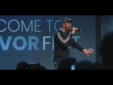 Montell Jordan- This Is How We Do It (LIVE)