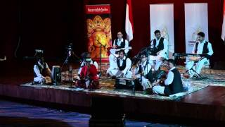 Sinrilik di Pertemuan Dua Budaya ( India Sufism Music and Makassar Art in UNM Makassar ))