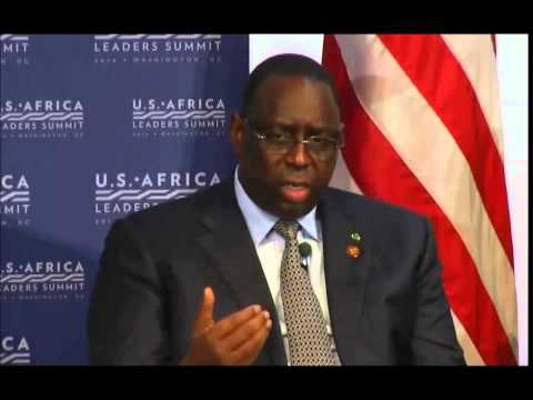 Awkward interpreter for Senegal President Macky Sall