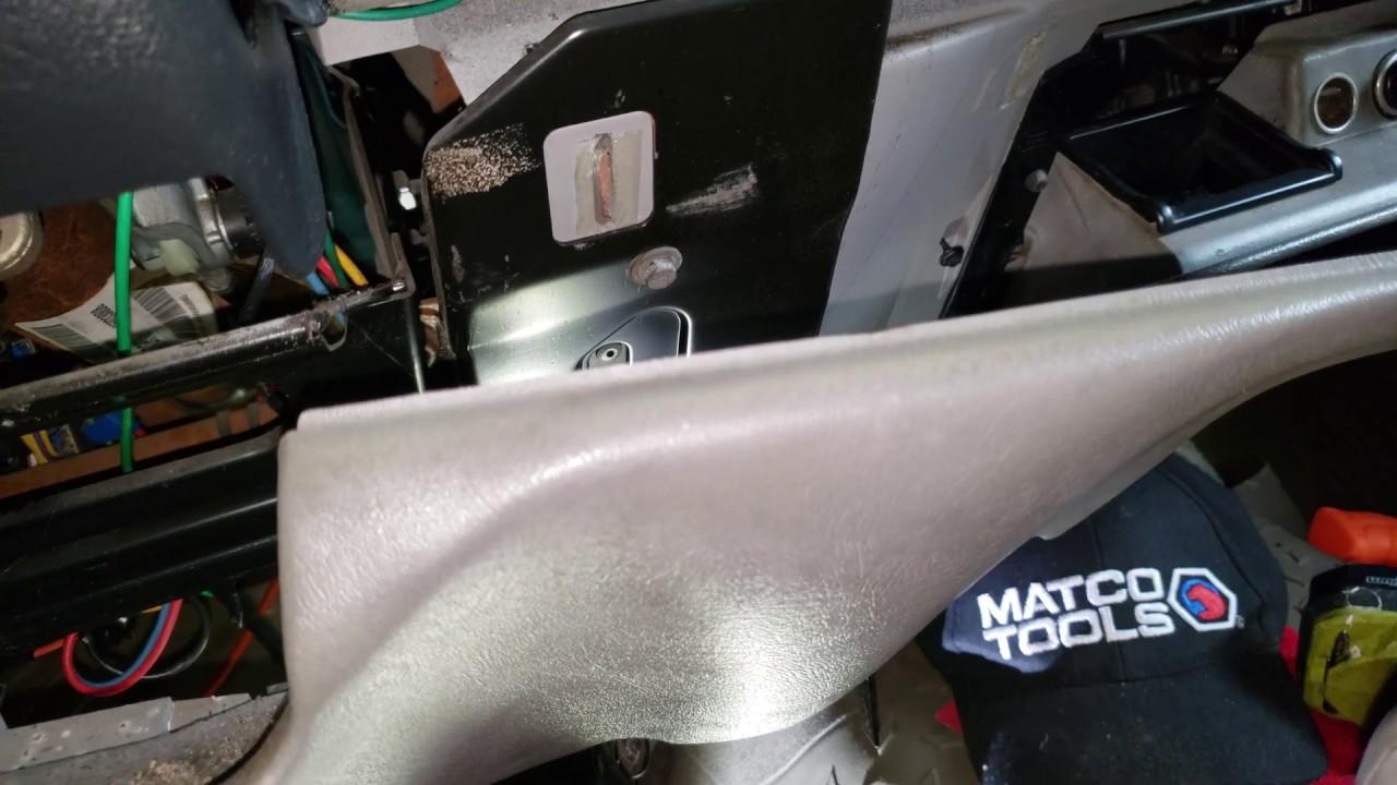 1995 Chevrolet Silverado C1500 Turn Signal Flasher Location / Replacement