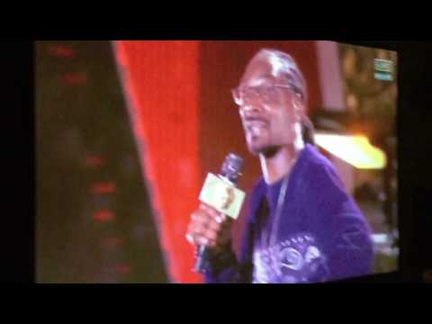 Snoop Dogg Performs New Year Celebration!
