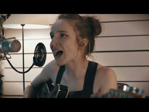 Zoe Graham - The Anniesland Lights (Live Session)