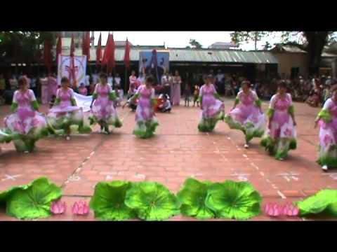 múa: Hoa Sen Dâng Bác (Hội phụ nữ thôn Đàn Viên) 19+05+2013