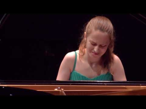 Natalie Schwamová - AIPC 2017 - category B - 1st round