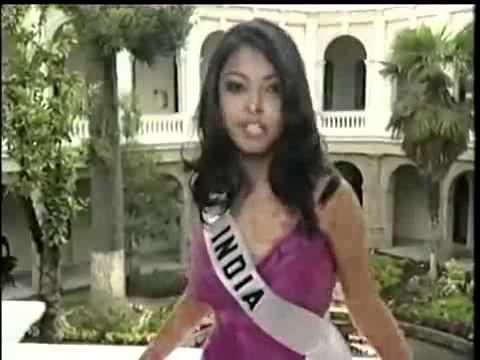 Miss India Universe 2004 Tanushreedutta, Opening