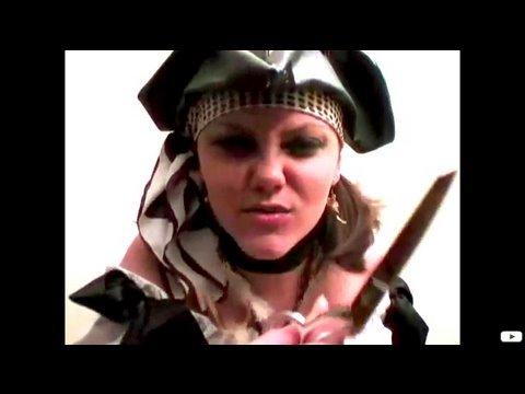 How-to Make a Girl's Pirate Costume, Threadbanger