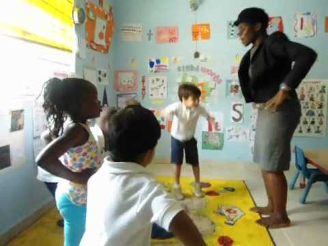Ghanian Song for Kids' Music Class - Kye Kye Kule.AVI