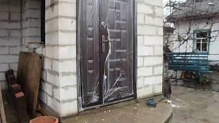 Установка, монтаж входной металлической двери под газоблок своими руками