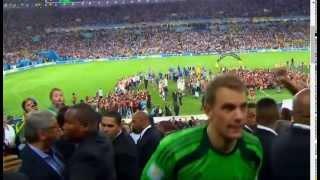 Manuel Neuer wurde zum besten Torhüter der WM gewählt und erhält Golde handschuh