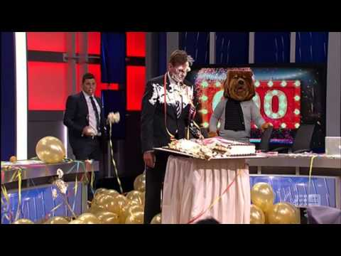 AFL Footy Show   Sam Newman 600th street talk cake