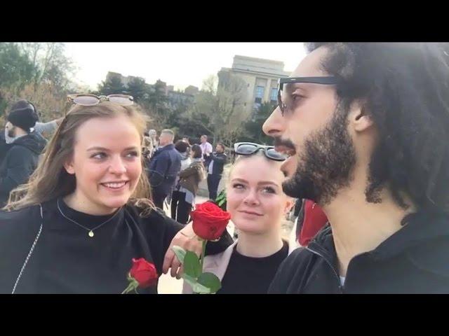 شاهد ردت فعل فتيات نرويجيات عندما قدمت لهم وردة والله أحرجوني ?