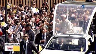 Papa Francisc in Romania - sosirea la Blaj, pe Campia Libertatii (TVR1)