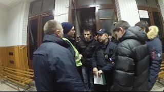 Обезумевшая полиция ломает водителя. Задержание копа. Финал