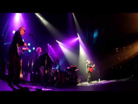 Paul Carrack - Over My Shoulder (Live) (Exclusive)