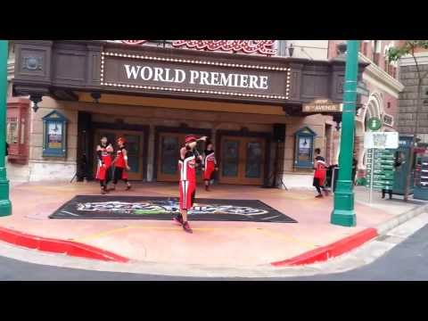 Universal Studios Singapore (USS) - Hip Hop dance show by Streetboys