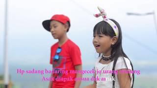 Lagu Lawak Minang -  Realita Kehidupan amak-amak nan pakai HP Android