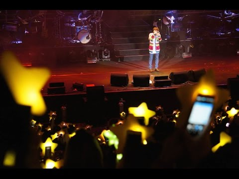 [FANCAM] Fans surprise Lee Hong Ki with beautiful stars at Taipei show