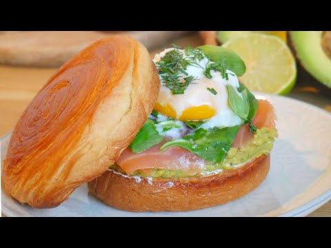 🐟🥑🥚-toast-brioché-saumon-oeuf-poché-avocat