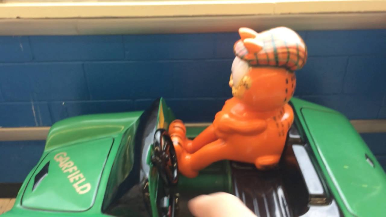 The Garfield Ride At Toys R Us Used To Be Sesame Street Ride What ...