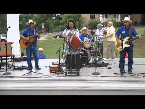 Susan Torres w  Los Texas Wranglers