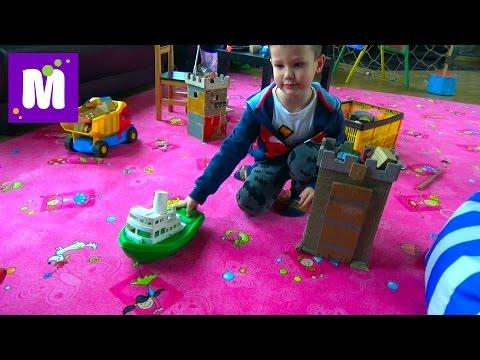 видео: Едем в торгово развлекательный центр покупаем игрушки играем на площадке