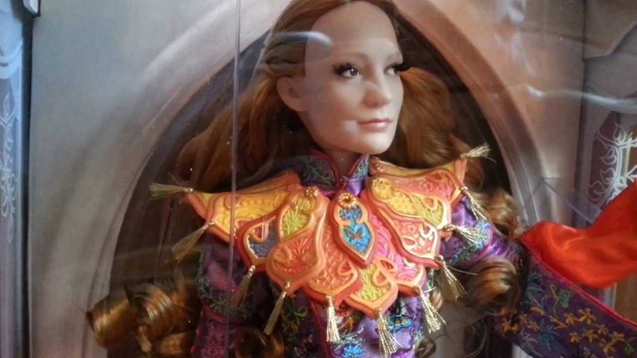 Disney Alice Through The Looking Glass