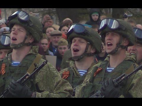 Парад в честь Дня Победы в Пскове
