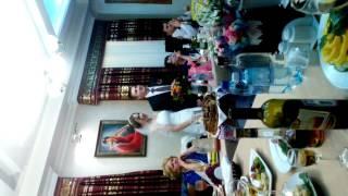 Спела на свадьбе младшей сестры