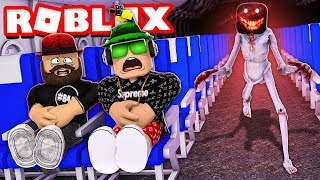 SURVIVE IN A HORROR AIRPLANE in ROBLOX (STORY)