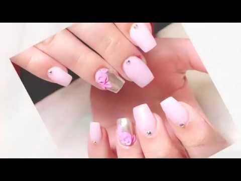 Uñas Acrílicas En Tono Rosa Pastel Con Efecto Espejo Y 3d