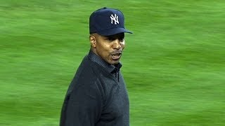 BAL@NYY Gm4: Willie Randolph throws out first pitch