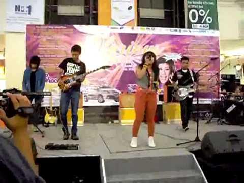 moghe band - telanjangi dunia @ultah Mall Pekanbaru...mp4