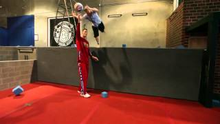 Parkour Free Running Globetrotters Style