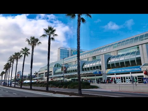 San Diego Comic Con 2018 - Inside & Outside The Convention Center / Exclusive Merchandise / Cosplay