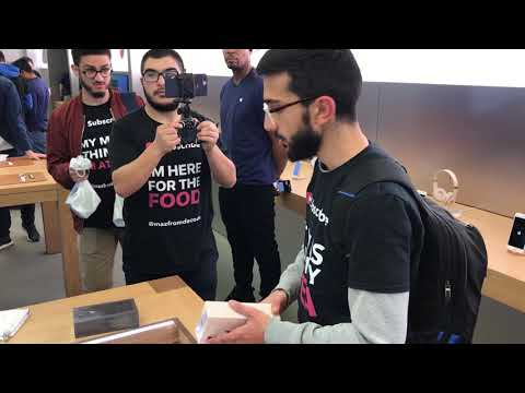 iPhone 8 Plus unboxing video inside Sydney Apple Store