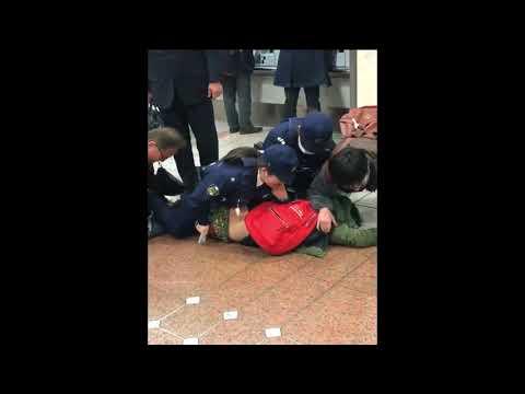 名古屋駅で婦警に男が逮捕される一部始終