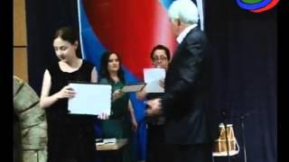 Выпускников школ Новолакского района наградили памятными подарками