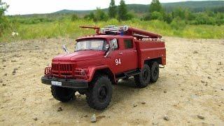 Масштабна модель вантажівки Зіл-131 АЦ-40 в масштабі 1:43