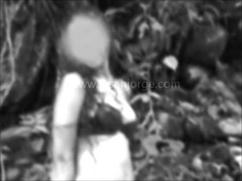 Mujeres violadas por paramilitares de