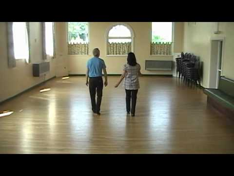 WALTZ ACROSS TEXAS    ( Line Dance )