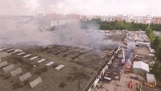 Пепелище сгоревших складов в Медведково облетели коптеры