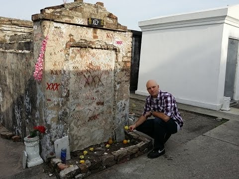 """Haunted New Orleans Cemetery """"Cities of the Dead"""" Tour"""