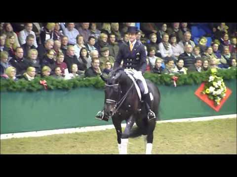 www.reitschule-sandbrink.de Edward Gal with Rubin Cortes Stallion Show Vechta 2012