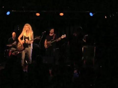 Bettina & Band