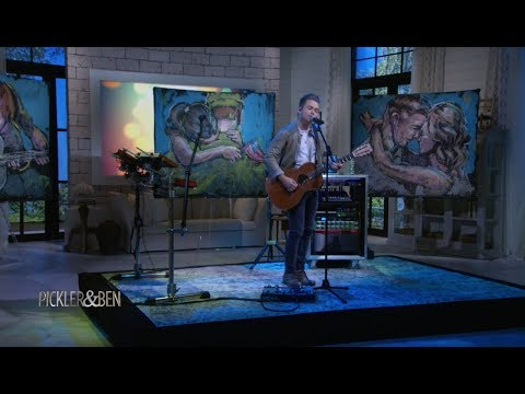 """Hunter Hayes Performs His Single """"Rescue"""" on Pickler & Ben"""