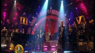 """Dave Swift on Bass with Jools Holland backing Ruby Turner """"The Informer"""" 07/08"""