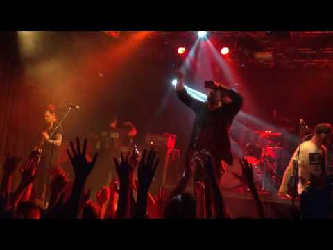 BEARTOOTH - Sick Of Me (Live)