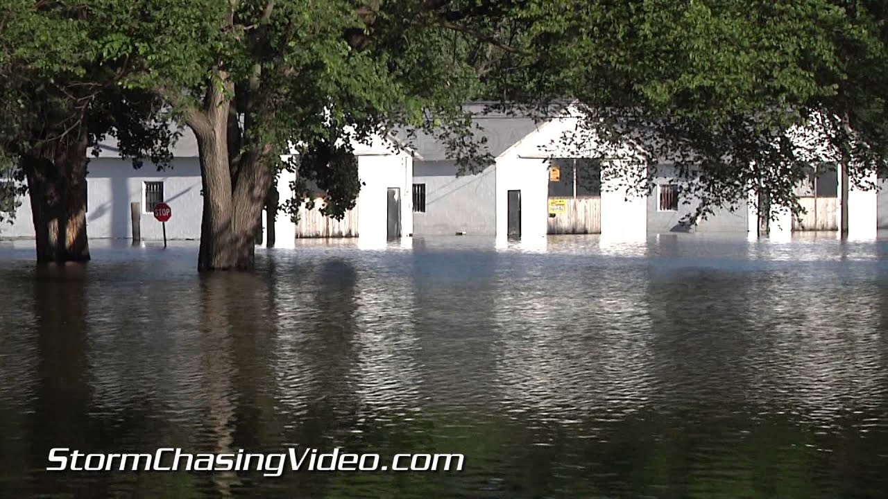7 8 2014 Hannibal Mo Amp Quincy Il River Flood Youtube