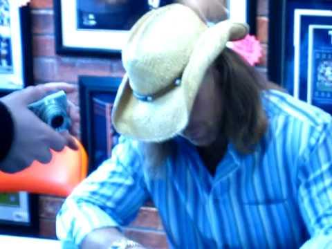 HBK Shawn Michaels Signing 3/1/09 - Rye Brook, NY